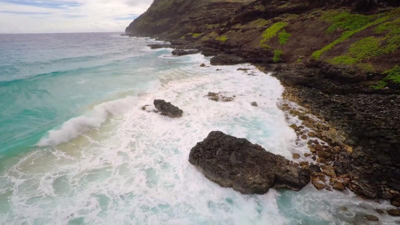 ハワイアン航空の機内安全ビデオイメージ2